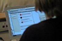 komputer, laptop, praca na komputerze